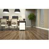 distribuidor de piso laminado imitando madeira Guararema