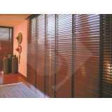 persiana horizontal de madeira com fita Amparo