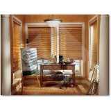 persiana horizontal de madeira sintética