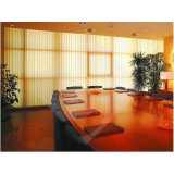 cortina persiana vertical para janela
