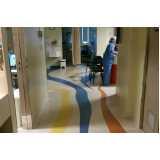 piso vinílico em manta hospitalar sob medida Queluz